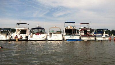 raft up boats